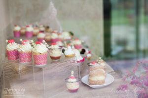 specjały francuskiego cukiernika na otwarciu biura Wedding Angels