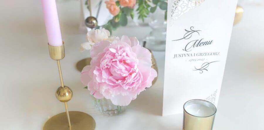 Weselne menu – ważny element ślubnej papeterii