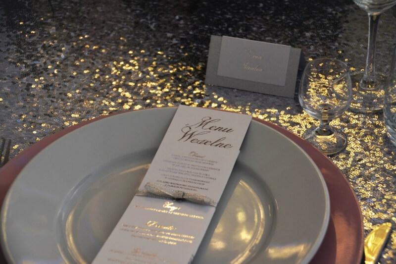 winietki - jak usadzić gości na weselu