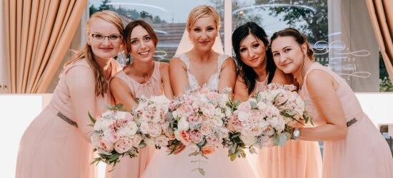 różowe sukienki druhen