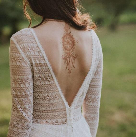 suknia boho z odkrytymi plecami