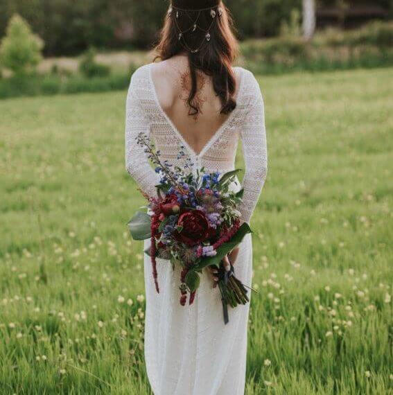 bordowy bukiet ślubny