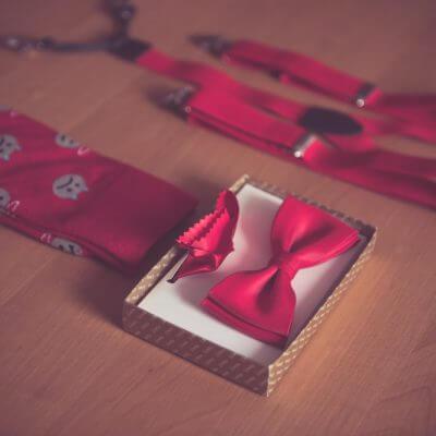 czerwone akcesoria do ślubu