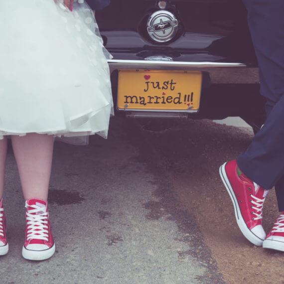 w trampach do ślubu