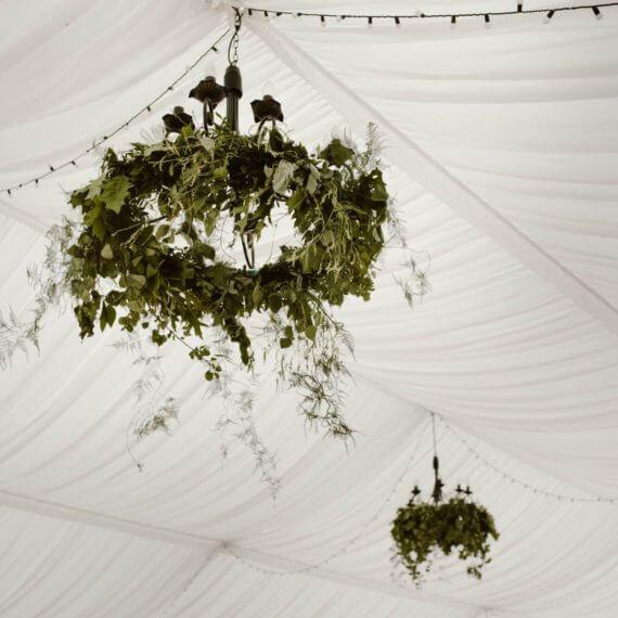 dekoracja namiotu zielone girlandy
